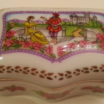 Vintage Limoges Porcelain Box, J'aime penser a toi , French Pillbox, Jewelry, Ring Box, Detailed Romantic Couple in front of Castle,Serenade