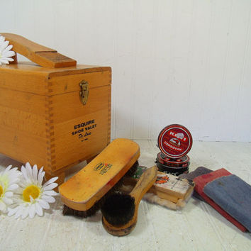 Vintage Esquire Shoe Valet Deluxe Dovetailed Wooden Box - Retro Shoe Shine Kit Carrier with Lift Open Lid Storage Compartment & Accessories