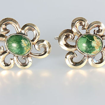 Green Turquoise Earrings Screw Back Sterling silver Flower 1940s Earrings