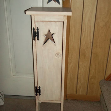 Superbe Primitive Rustic Made To Order Wooden Toilet Paper Holder Star Cut Out  Bathroom Tissue Holder Linen