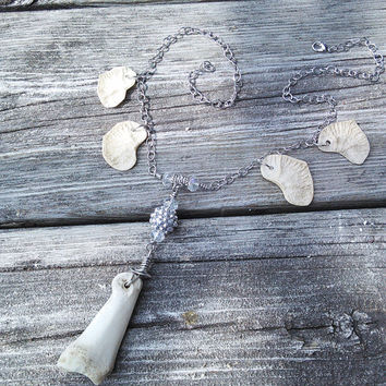 Deer Toe Bone Necklace, Bone Jewelry, Shaman Jewelry, Wiccan Necklace, Gypsy Warrior Necklace, Pagan Necklace, real Animal Bone Taxidermy