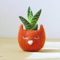 Felt succulent planter  / Kitty cat vase / orange with a heart / Cat lover gift / mother day gift - Choose your color!