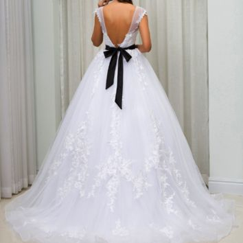 A line Wedding Dress With Sash Sweep Train Lace Appliques Backless Sheer Neck Elegant Bridal Gown