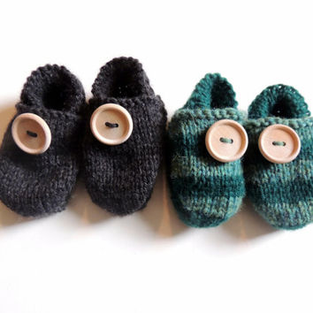 Organic button moccs, striped baby moccs, classic baby shoes, baby moccasins, soft sole shoe, elastic heel, stay on bootie, wool moccasin