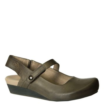 SPRINGFIELD in MINT Closed Toe Wedges