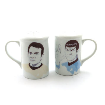 Star Trek Salt and pepper shakers- Spock and Captain Kirk fan art-gift for geek sci fi lover-ceramics and pottery
