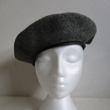 Wool Beret Vintage 1980s Charcoal Grey Felt Black Faux Leather 80s Ladies Hat Medium