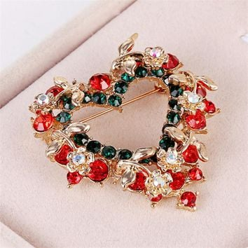 Christmas Wreath Brooch Heart-shaped Inlaid Rhinestone
