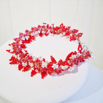 Red bridal bracelet with smal leaves and flowers, handmade jewelry, romantic bracelet, delicat design, wedding jewelry, brides bracelet