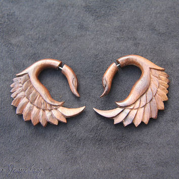 Fake Gauges Wood Earring, Swan Bird carving Fake Piercing Wooden Gauges Made from Sono Wood FGW-0094-1