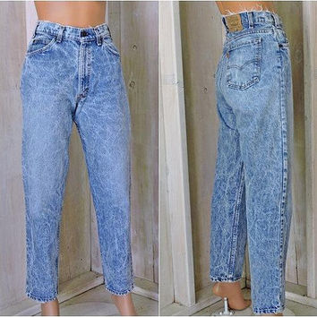 Vintage Levis 550 jeans 32 X 30 size 7 / 8 / orange tab / 80s acid washed / high waisted levis mom jeans/ tapered leg