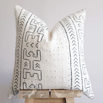African Mudcloth Pillow Cover, Decorative Pillow, Tribal Pillow, Modern Bohemian Throw, Off White and Black