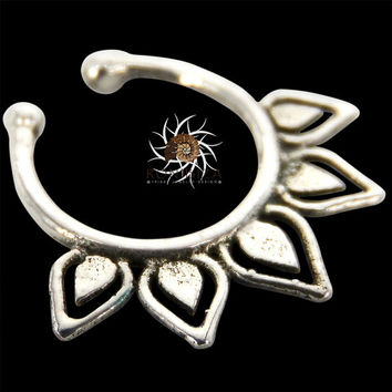 Fake Septum Ring - Faux Septum Ring - Fake Piercing - Clip On Piercing - Clip On Septum - Septum Jewelry - Septum Cuff - Nose Jewelry SF25S