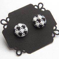 Small Houndstooth Button Stud Earrings - Hypoallergenic Earrings
