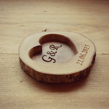 6bdd0e053d Personalized Wood Ring Holder, Rustic Wedding Ring Bearer Pil.