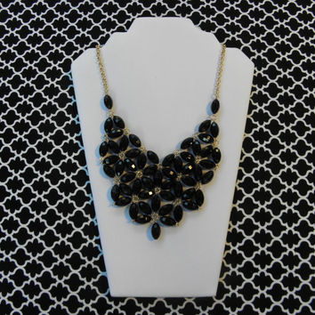 Daisy Bubble Bib Style Necklace