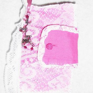 Sewing Needle Book, 8 pages, Sewing Accessories, Sewing Needle Case, Needle Book, Shabby Chic Pink Sewing Case, 8 cloth pages, 8x8in open