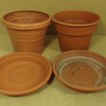 Dec-Grow Pair of Terracotta Planters with Bottom Plates 10in x 9in Red Plastic -- Used