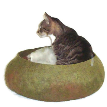 Alpaca/Cormo Cat Bed Cruelty Free Felted Wool Pet Basket - Cream/Dark Fawn on Dill Heather - Supporting US Small Farms