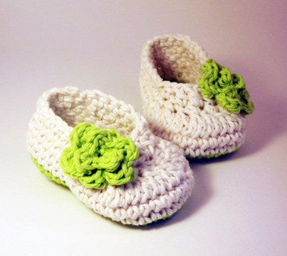 Antique Ivory Ballet Style Crochet Booties With Lime Green Rose