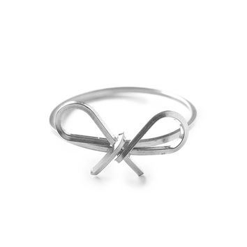 Sweet Bow Silver Reminder Ring