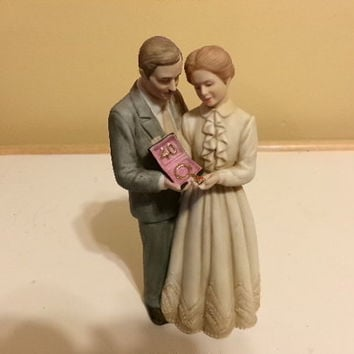 Enesco Treasured Memories Figurine 40 Years Together 1983 Necklace 40th Anniversary Gift, Gift for her