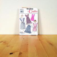 Simplicity 9433 Misses' Apron in Two Sizes (Sm-Med & Lg-XL) {1989} Vintage Sewing Pattern