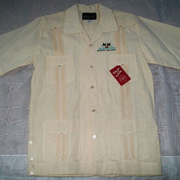 11-1023 Vintage 1970s Puerto Vallerta Guayabera Shirt / Men's Mexican Wedding Style Shirt / Men's Resort Souvenir Shirt