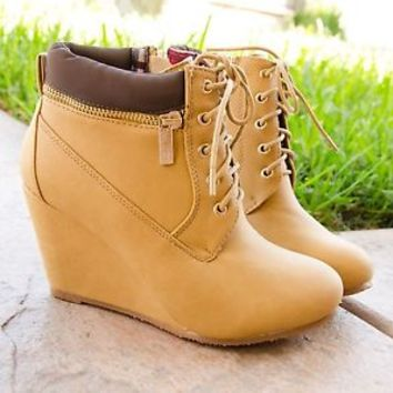 Women's Ankle Boots Faux Work Boot Design Lace Up Almond Toe Wedge Booties New