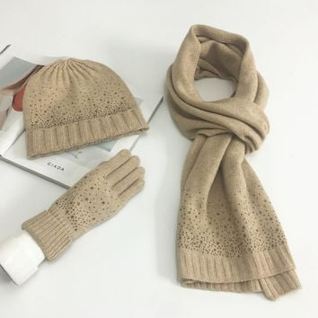 European Fashion Knitted Scarf And Hat Set Winter Warm Wool Gloves Hats Scarves Suit Crochet Cap Beanie Women's Scarves AGB852