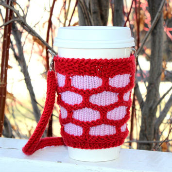 Knitted cup cozy Hands-free carrying coffee cozy. Starbucks cup sleeve Travel mug cozy Strawberry red pink. Eco-friendly Handmade cup sling