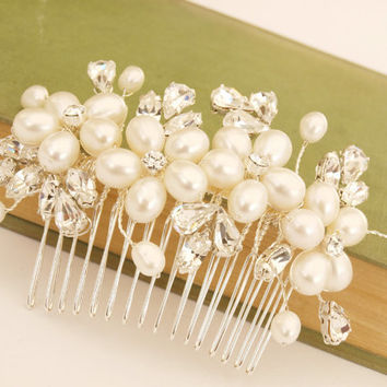 Pearl Hair Comb Flower Hair Accessories White by jewellerymadebyme