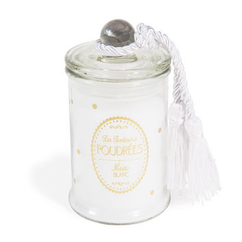 Sweet jar candle with white musk scent in white H 11cm | Maisons du Monde