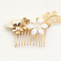 Bride hair comb - White Flowers and 24k gold plated Bridal hair comb - Victorian shabby chic vintage style
