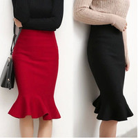High Pockets Slim-Thin Skirt of Knit Flouncing in Hip Fishtail