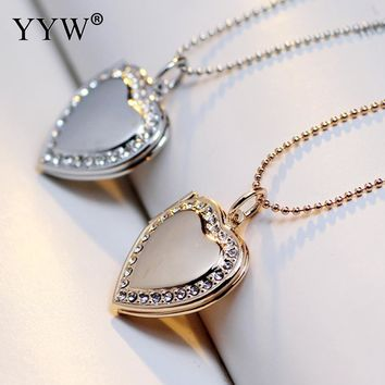 Vintage Photo Frame Memory Locket Pendant Necklace Gold-color Romantic Rhinestone Heart Pendant Charms Necklace Valentines Gift