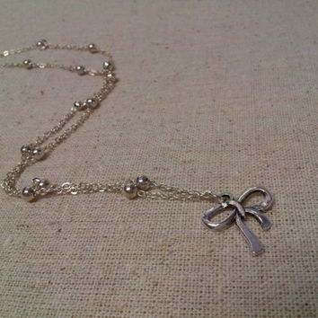 Single Bow Necklace by Bellisima1978 on Etsy