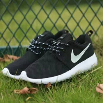 Women Nike Roshe One Shoes Black White