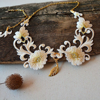 Ivory Lace Collar Necklace, Peter Pan Collar, Detachable peter pan collar , Unique Collar Necklace, Christmas gift, for Women