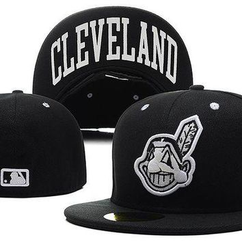 DCCKBE6 Cleveland Indians New Era MLB Authentic Collection 59FIFTY Cap Black HAT