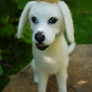needle felted dog, pet memorial, white labrador dog, dog portrait, needle felted portrait, pet loss memorial, pet statue, felt labrador dog
