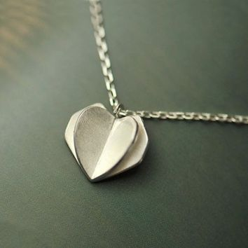 Folding Heart Silver Necklace - LilyFair Jewelry