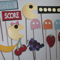 PAC MAN photo booth props: Ol school video games with  free  MUSTACHES