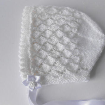 Christening bonnet. Baptism Bonnet. White baby hat. Hand knit baby girl hat. Photography prop. New baby gift. Irish baptism bonnet. 0-6 Mths