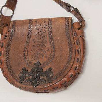 70s Large Crossbody Tooled Leather Purse | Beautiful Brown Leather Hippie Boho Leather Handbag | Ethnic Mexican Southwestern Woven