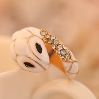 Hot selling beautiful Elegant small white snake ring