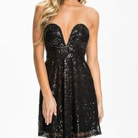 Black Sweetheart Neckline Strapless Sequined Skater Dress