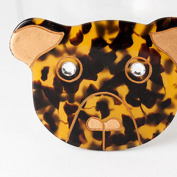 Vintage acrylic tortoise shell teddy bear brooch. Super cute 1980s novelty figural oversized statement bear head shaped costume jewelry pin