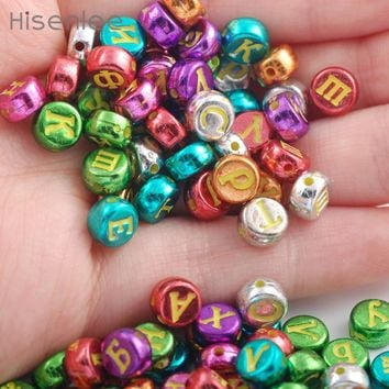 Hisenlee 100Pcs Random Mixed Colors Russian Letters Alphabet Acrylic Round Spacer Beads For Jewelry Making DIY Bracelet