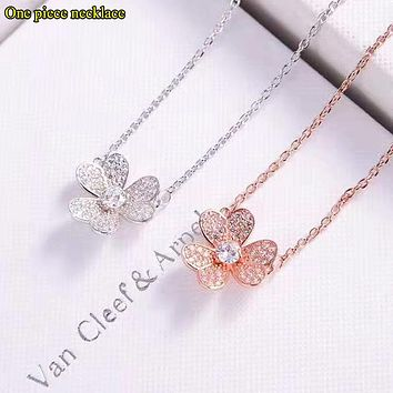 Van Cleef & Arpels Fashion New Diamond Clover Pendant Women Necklace Women